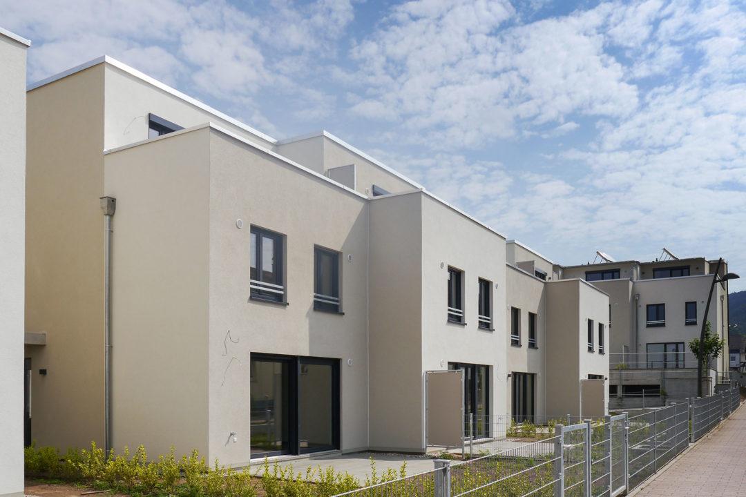 Reihen- und Doppelhaus in Dosenheim-Kirchäcker